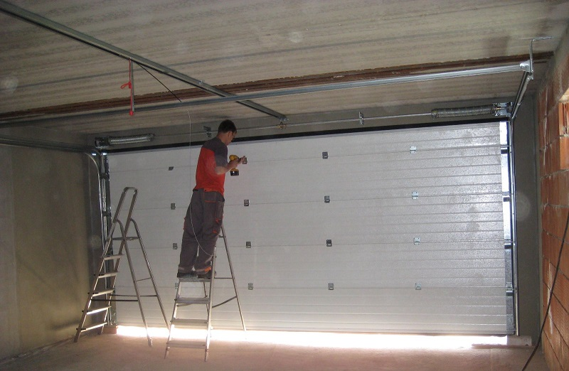 фото ремонт гаражных ворот