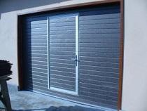 Установка калитки в гаражные ворота