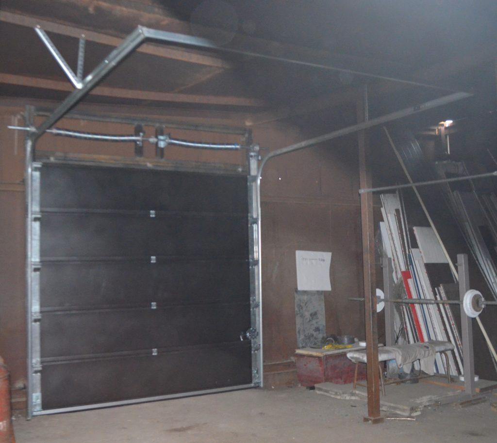 Готовые секционные ворота